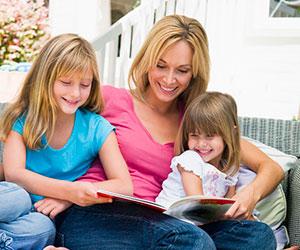 Когда начинать читать малышу книги