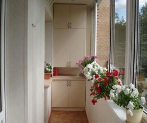 Чем дополнить летний дизайн балкона?